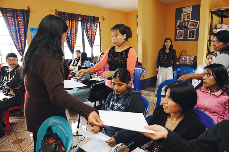 Training of health promoters in Guatemala © Lâm Duc Hiên
