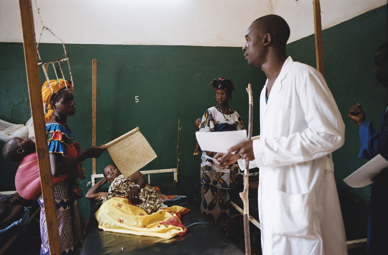 Improving access to health care in Mali – 2009 © Isabelle Eshraghi