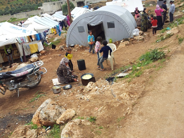 Camp for displaced Syrians in the North Idlib region where MdM manages a Primary Healthcare centre – September 2013 ©MdM