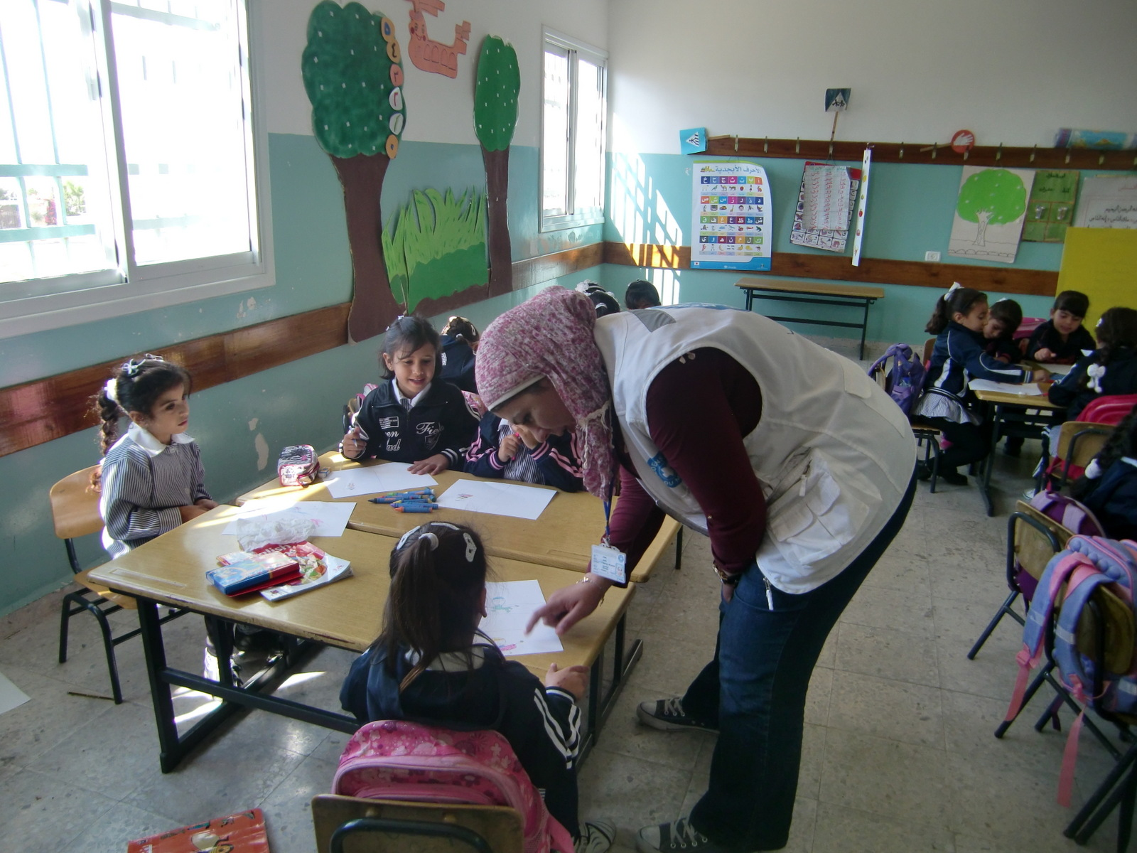 Psychosocial activities with an MdM social worker in a school of the Nablus governorate, Palestine - November 2013 ©MdM